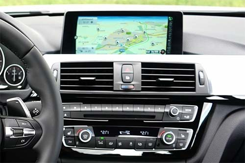 Best navigation apps for Android Auto