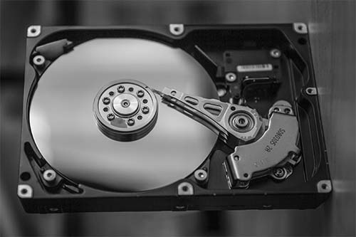 How much does Windows 10 take up on your disk space
